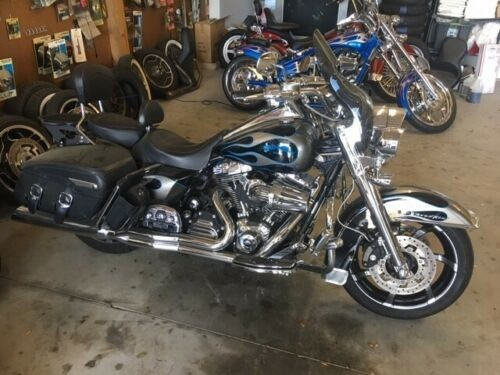 2009 Harley-Davidson Touring Blue photo