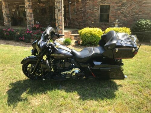 2010 Harley-Davidson Touring Black photo