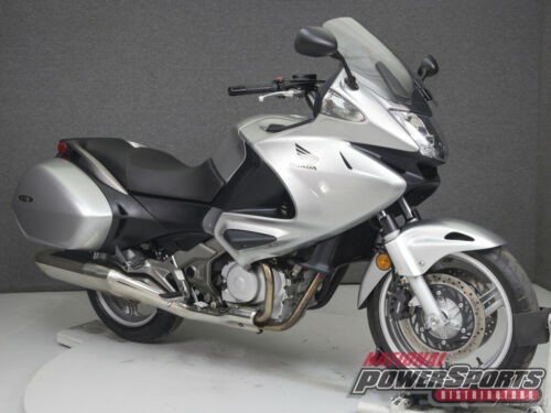 2010 Honda NT700V SPANGLE SILVER METALLIC photo