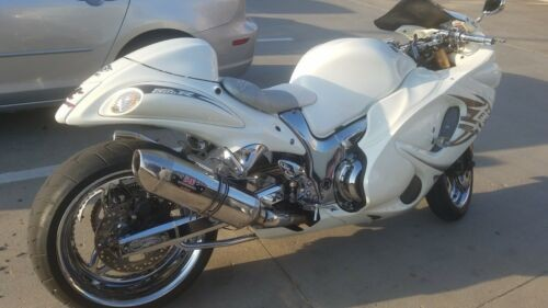 2010 Suzuki Hayabusa White photo