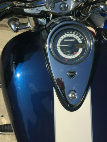 2010 Triumph Thunderbird Blue photo