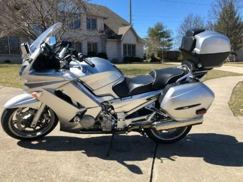 2010 Yamaha FJR Silver photo