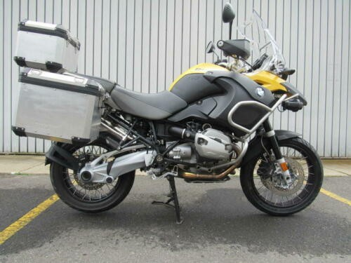2011 BMW R-Series -- Yellow photo
