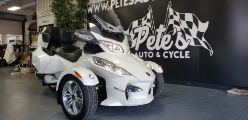 2011 Can-Am SPYDER White photo