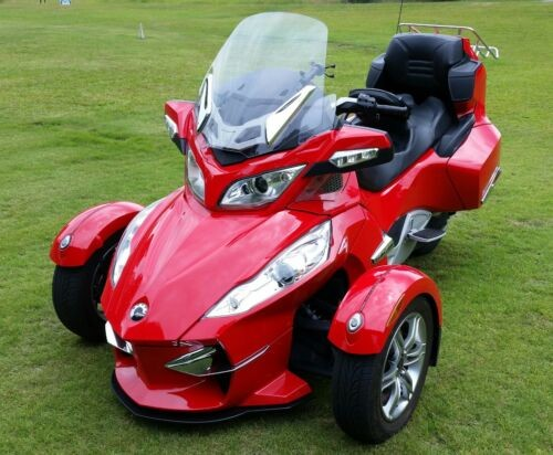 2011 Can-Am Spyder RTs Red photo