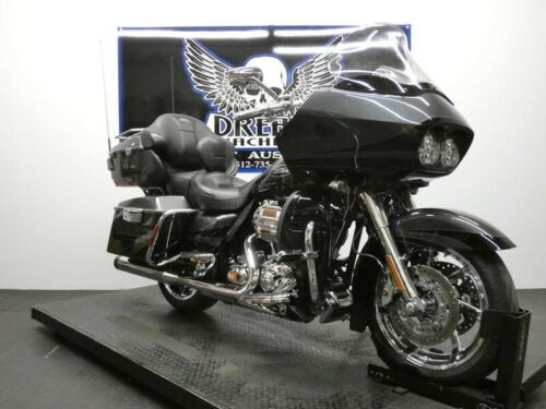 2011 Harley-Davidson FLTRUSE - Screamin Eagle CVO Road Glide Ultra -- Black photo