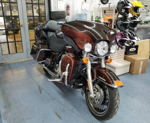 2011 Harley-Davidson Touring tow tone photo