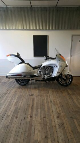 2011 Victory VISION Pearl Metallic White photo