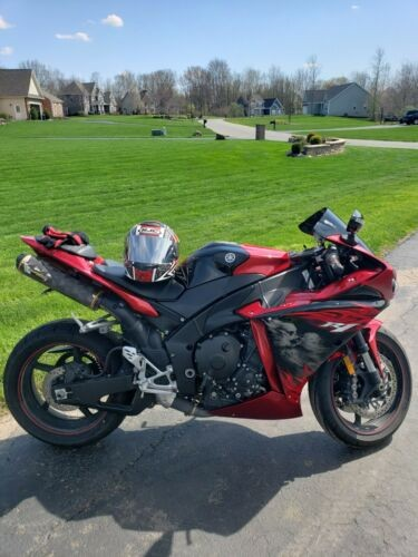 2011 Yamaha YZF-R Red photo