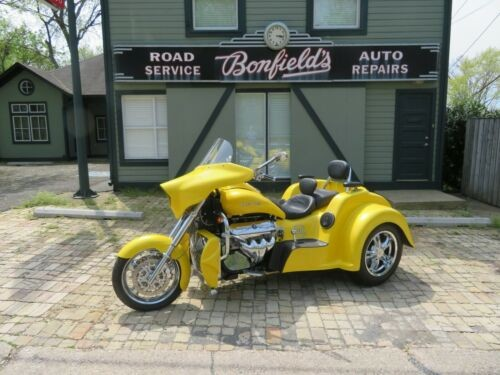 2012 Boss Hoss BHC-9 Yellow with Pearl photo