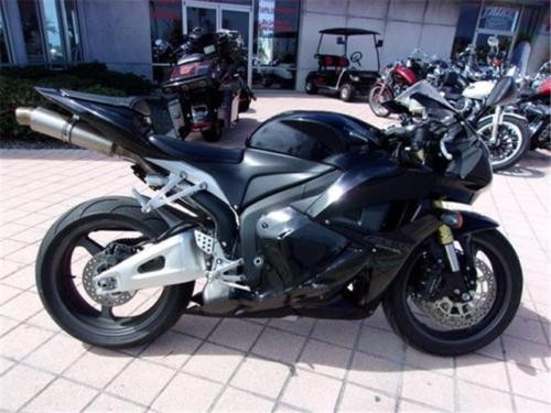 2012 Honda CBR -- Black photo