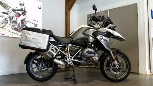2013 BMW R-Series -- White photo