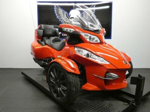 2013 Can-Am Spyder RT-S SM5 -- Red photo
