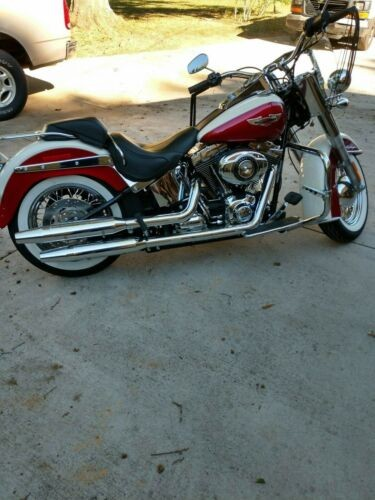 2013 Harley-Davidson Softail white/red photo