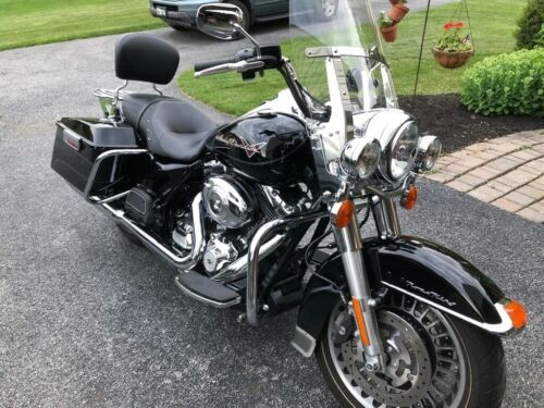 2013 Harley-Davidson Touring Vivid Black photo