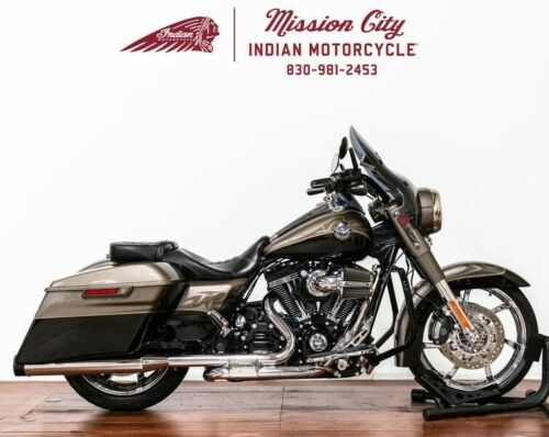 2014 Harley-Davidson FLHRSE – CVO™ Road King® — Black for sale