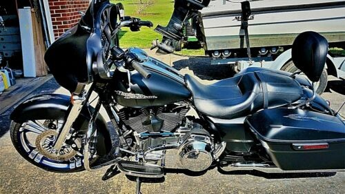 2014 Harley-Davidson Touring Black and Blue photo