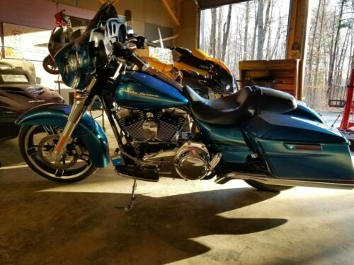 2014 Harley-Davidson Touring Daytona metal flake blue photo