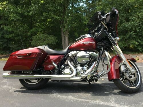 2014 Harley-Davidson Touring Mysterious Red Sunglo photo