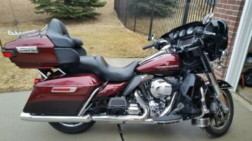 2014 Harley-Davidson Touring Red photo