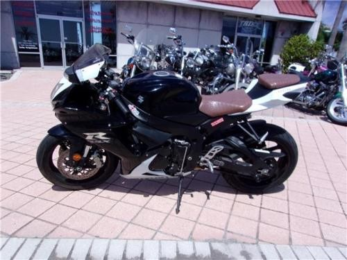2014 Suzuki GSX-R -- Black photo