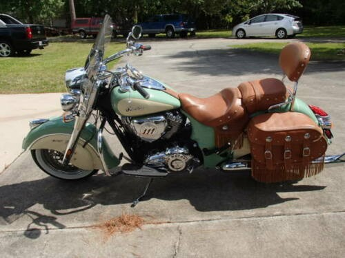 2015 American Classic Motors Indian Vintage Bagger Ivory and Willow Green photo