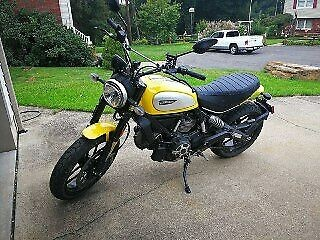 2015 Ducati Scrambler Yellow photo