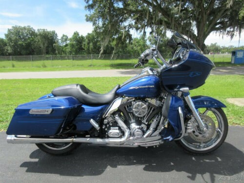 2015 Harley-Davidson Touring Road Glide® Special Blue photo