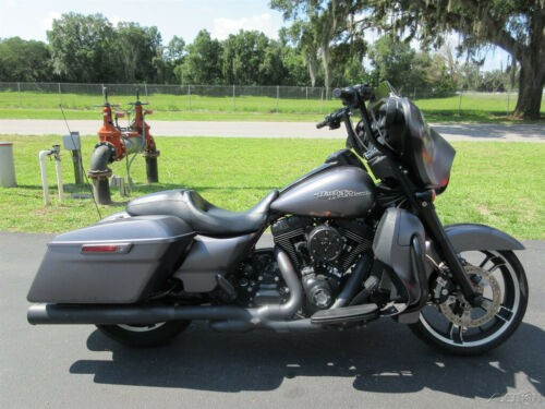 2015 Harley-Davidson Touring Street Glide™ Gray photo