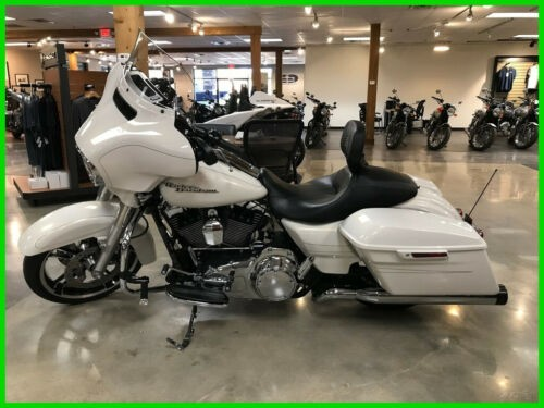 2015 Harley-Davidson Touring Street Glide® Special White photo