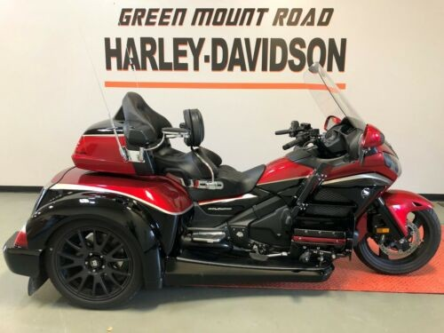 2015 Honda Gold Wing Candy Red / Black photo