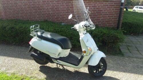 2015 Kymco Like TT White photo
