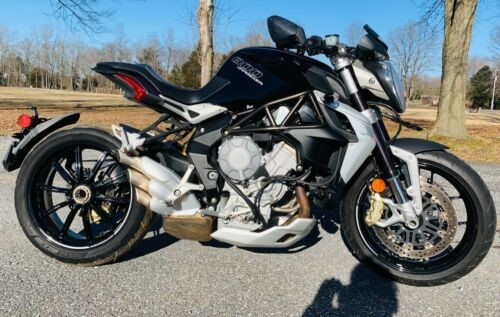2015 MV Agusta 800 dragster Black photo