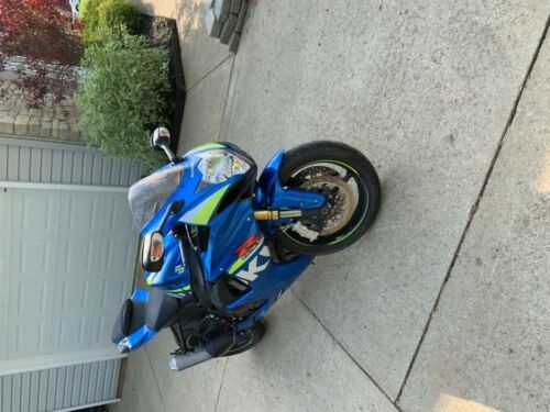 2015 Suzuki GSXR 750 Blue photo