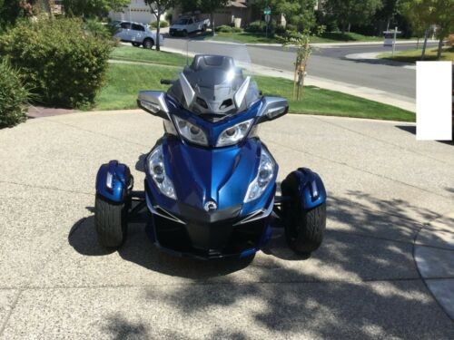 2016 Can-Am RT-S Blue photo