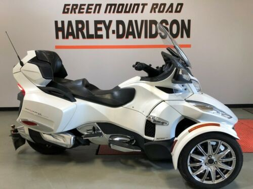 2016 Can-Am SPYDER RT SE6 LIMITED Pearl White photo