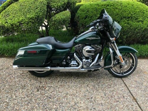 2016 Harley-Davidson FLHXS Street Glide Special -- Green photo