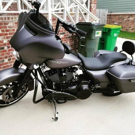 2016 Harley-Davidson Touring Gray photo