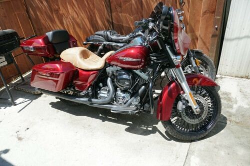 2016 Harley-Davidson Touring Red photo