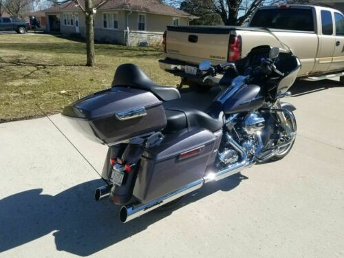 2016 Harley-Davidson Touring Silver photo