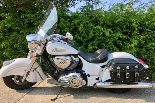 2016 Indian Chief Classic Pearl White photo