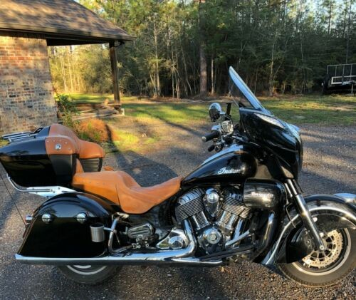 2016 Indian Roadmaster Black photo