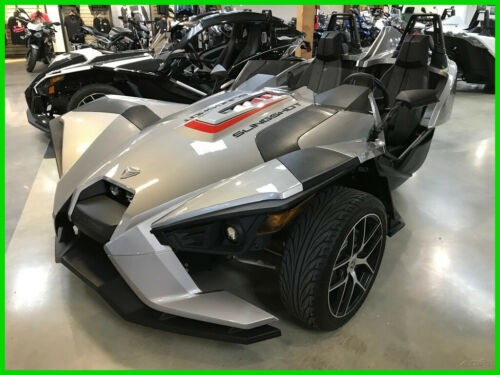 2016 Polaris SLINGSHOT SL Silver photo