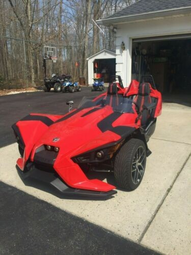 2016 Polaris Slingshot SL Red photo