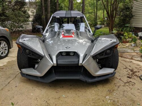 2016 Polaris Slingshot Silver photo