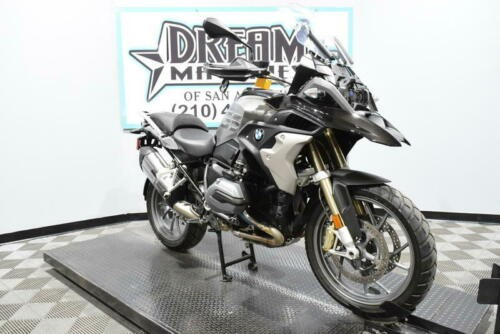 2017 BMW R 1200 GS Premium -- Black photo