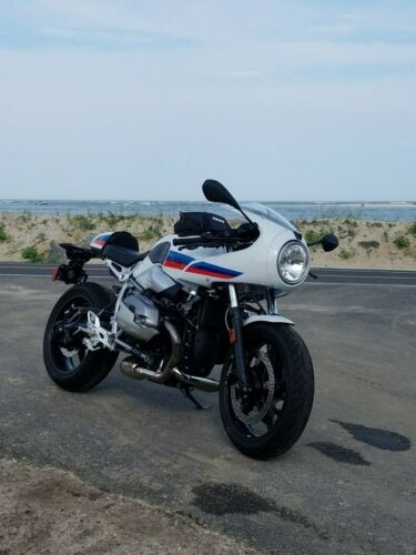 2017 BMW R NINE T Racer Pure White Red Blue photo