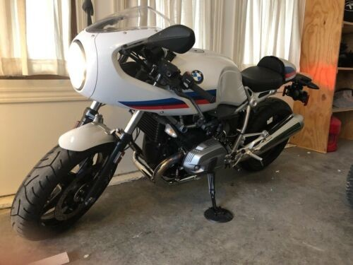 2017 BMW R-Series White photo