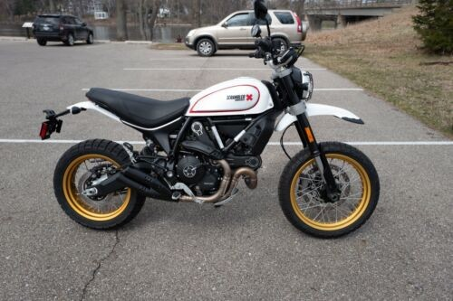 2017 Ducati Scrambler Desert Sled White photo