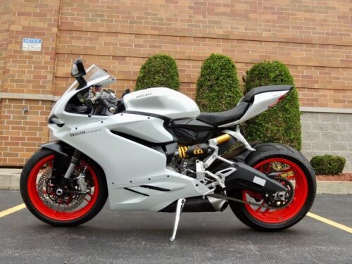2017 Ducati Superbike White photo